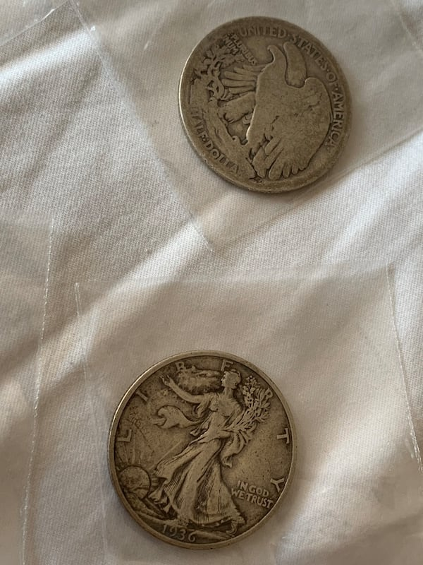 Four half dollar walking liberty coins c19c7637-62da-4b57-a31d-0c4240afc828