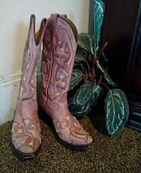 Gallo made in mexico neerly new retail for $206 as Middle River, 21220