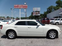 2007 Chrysler 300 White bellevue, 68005
