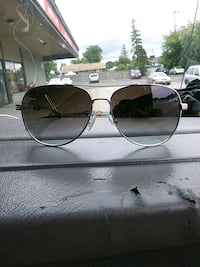 silver-colored framed aviator sunglasses St. Catharines, L2N 2J3