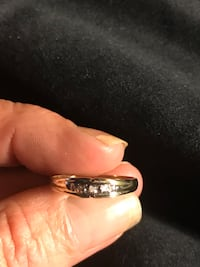 10 k solid gold ring with diamonds size 7 Virginia Beach, 23451
