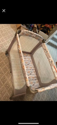 brown and white floral travel cot Antioch, 60002