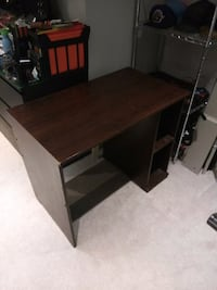 brown wooden single pedestal desk Mississauga, L5N 7L3