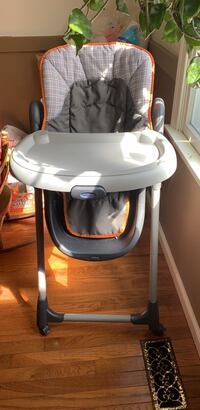 Moving Out Sale: GRACO Baby Feeding Chair Newark, 19702