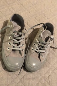 Grey Suede Water Repellent Converse Size 5.5 Hudson, 03051