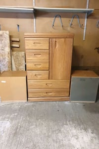Huge chest great condition didnt fit in the room