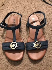 Michael Kors Youth Sandals Springfield, 22152