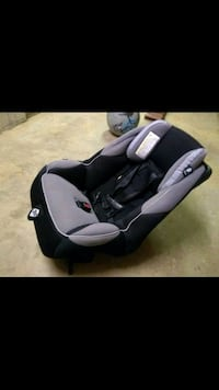 Baby car seat Falls Church, 22044