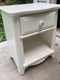 White nightstand Rockville, 20850