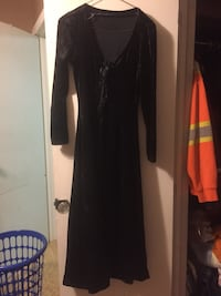 Black velvet long sleeve dress Kawartha Lakes, K9V