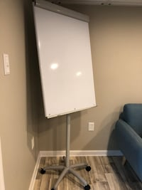 Adjustable whiteboard easel Winchester, 22601