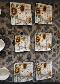Sunflower pattern plates and bowls  Cape Coral, 33904