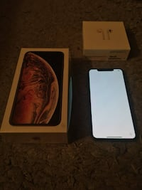 iphone xs max 256gb gold with airpods Hamilton