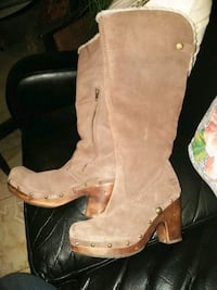 pair of brown leather boots North Las Vegas, 89081