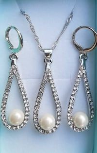 Gorgeous white gold filled cz and pearl necklace a Baltimore