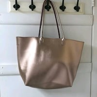New No Tags Rose Gold Metallic Tote Hagerstown, 21740
