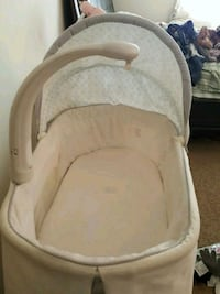 Baby bassinet  Silver Spring, 20904