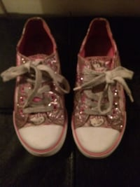 Girls Hello Kitty tennis shoes size 1 Montebello, 90640