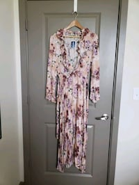 Brand New- Maxi Floral Dress. XL. Frederick