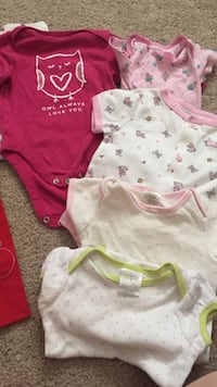3-6 months onesies  Johnson City, 37615