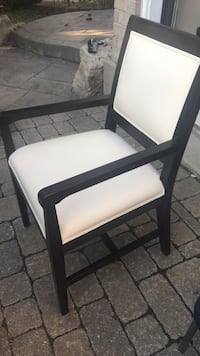 Black wooden framed white padded armchair Vaughan, L6A 2L4