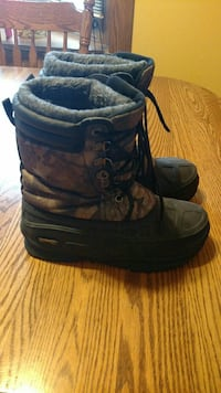 Size 7 winter boot