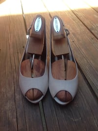 NATURALIZER Wedged Peep-Toe Shoes