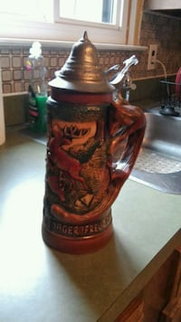 1 liter Hunter beer stein with fox handle by King Allentown, 18106