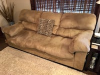 Living room furniture Milton, 25082