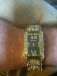 square gold analog watch with link bracelet New Haven, 40051