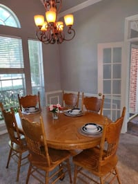 Dinning table and six chairs.  Coppell, 75019