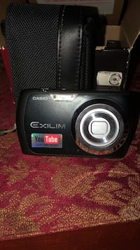 Black nikon coolpix point-and-shoot camera. Laval, H7E 5K3
