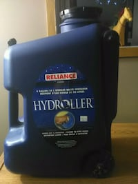 8 Gallon/30 Liter wheeled water Container