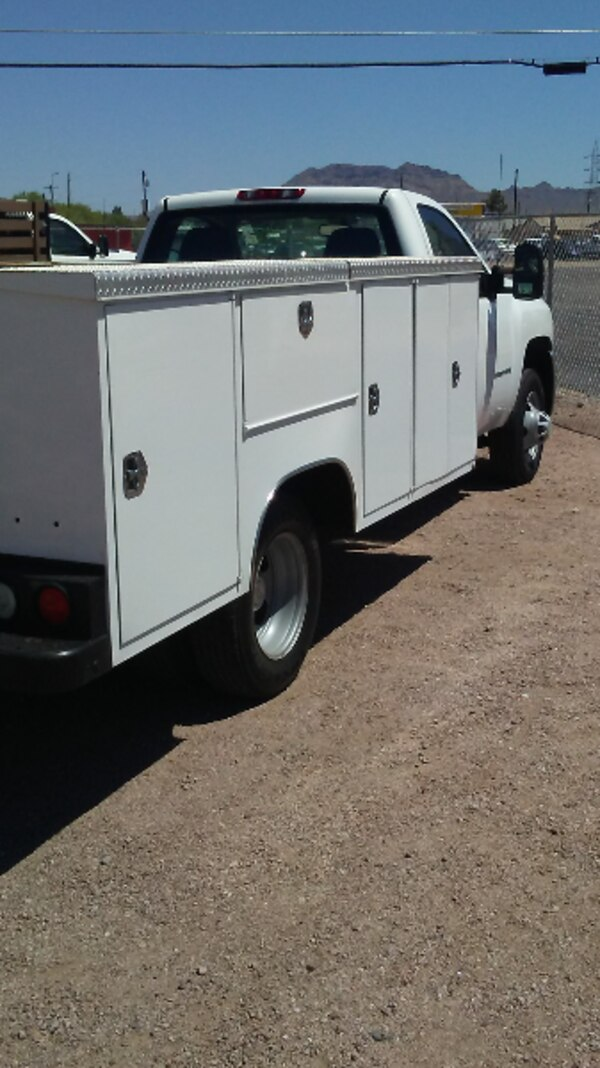 da83f0997209 2009 Chevy 3500 HD Regular Cab 11 foot Pacific Dually Service Utility Body  with low miles