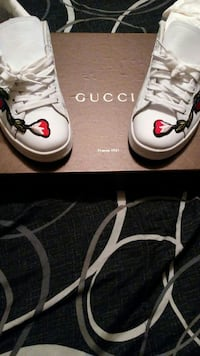 Gucci Sneakers Aunthenic not fake 9.5