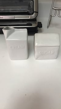 Cream and sugar set Lake Forest, 92610