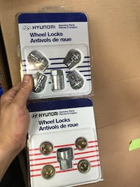 Hyundai wheel locks new in box Toronto, M1B 2J7