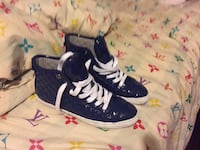 Blue lace up hightop sneakers Port Coquitlam, V3B 1C7