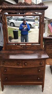 Antique dresser and mirror  Mount Airy, 21771