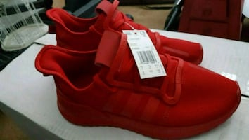 Adidas shoes new size 8.0m 9.5w