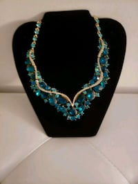 Gorgeous Teal Necklace and Earrings Baltimore, 21206