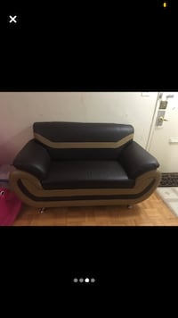 Leather sofa/couch set for sale Toronto, M3C 1B5