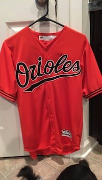 Orioles Jersey/no tags but never worn/small  60 km