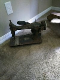 Antique Singer sewing machine 65 OBO Cape Coral