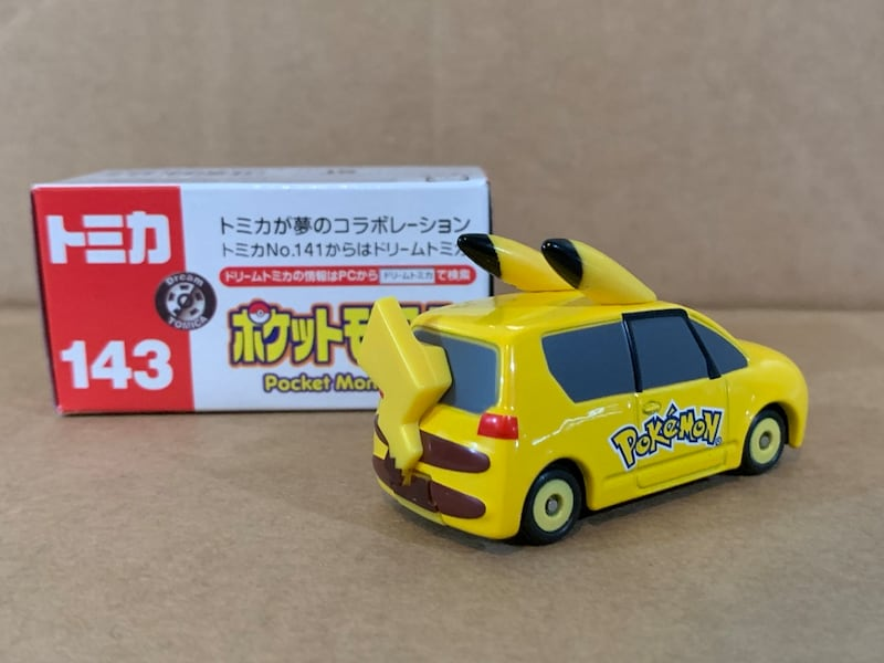 Tomica pokemon Pikachu Car 2