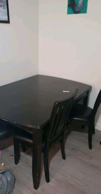 Dining Table with 4 chairs and spacer Calgary, T3H 1W3