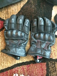 pair of black leather gloves Newport News, 23601
