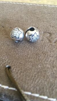 two round grey floral beads Mississauga, L5H 3T5