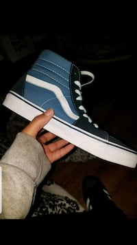 Size 8 (in men) Blue High top Vanz