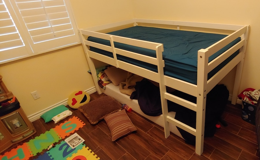 Photo White Loft Bed with Mattresses